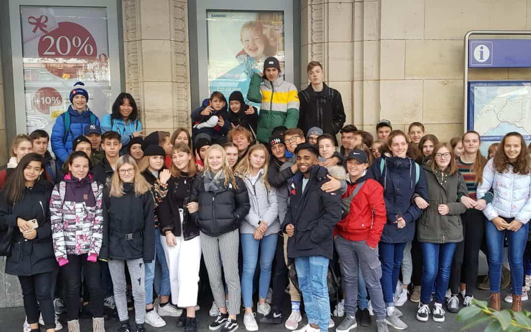 Die Noss auf Französisch-Exkursion in Lausanne